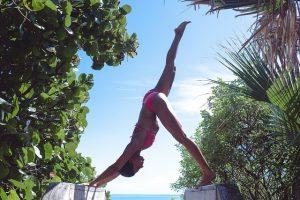 Cvičenie a dokonalá pokožka na pláži